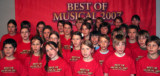 Der Wolfratshauseener Kinderchor probte am 17.04.2007 für Mary Poppins bei Best of Musical (Foto. Martin Schmitz)