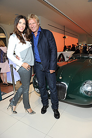 "Alexandra Polzin mit Mann Gerhard Leinauer Jaguar Classic Weeks Opening: ""British Icons on Wheels"" in der Jaguar Land Rover Markenboutique in München am 12.07.2016 Foto: BrauerPhotos / G.Nitschke für Jaguar"