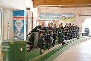Grubenbahnfahrt inds Salzbergwerk (©Foto: Martin Schmitz)
