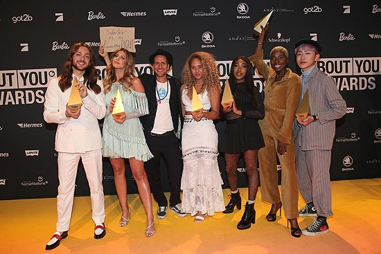 Riccardo Simonetti, Sarah Harrison, Michael Fritz, Natasha Kimberly, Eunique Cudo Berkeley, Nikeata Thompson und Brian Havarie bei den 3. ABOUT YOU Awards am 20.04.2019 in den Münchner Bavaria Studios (©Photo: Gisela Schober/Getty Images für ABOUT YOU