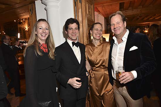 Anna Herzogin in Bayern mit Erbgraf Ignaz zu Toerring Jettenbach mit Frau Erbgräfin Robinia zu Toerring Jettenbach mit Andreas Baron von Maltzan  Fireball (James Bond Motto), Wochenende Ski and Fun,  Gala Dinner Siegerehrung Party im Hotel zur Tenne in Kitzbühel am 10.03.2018 Foto: BrauerPhotos / G.Nitschke