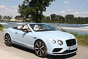 Bentley Continental GT V8 S Convertible - 2016 GTC Gran Turismo Convertible in der Farbe Jetstream (©Foto: Marikka-Laila Maisel)