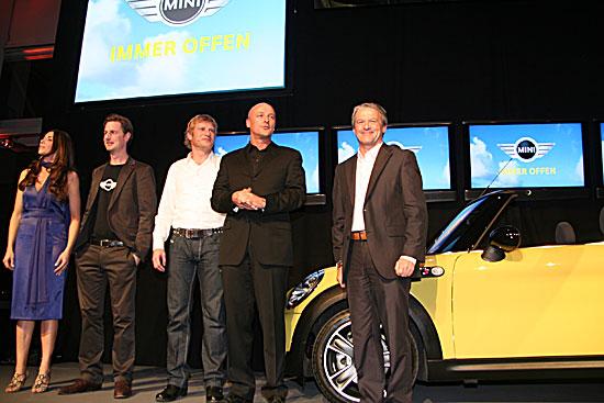 premiere des neuen mini cabrio am abend des 28 m rz 2009 mit 500 g sten unter dem motto immer. Black Bedroom Furniture Sets. Home Design Ideas