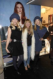 Tina Kaiser, Casha Schilling, Jessica Kastrop FOGAL Store Opening in der Theatinerstrasse in München am 13.10.2016 Agency People Image (c.) Michael Tinnefeld