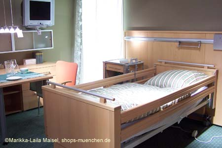 impressionen xxxlutz theresienh he fotos. Black Bedroom Furniture Sets. Home Design Ideas
